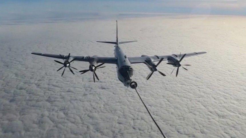 Российские летчики отработали дозаправку  убийцы субмарин  Ту-  в…