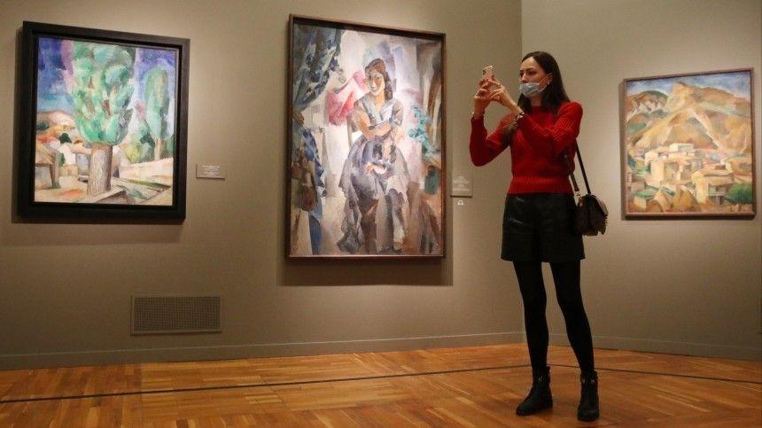 Выставка «Поэзия и проза о войне» открылась в Музее Победы