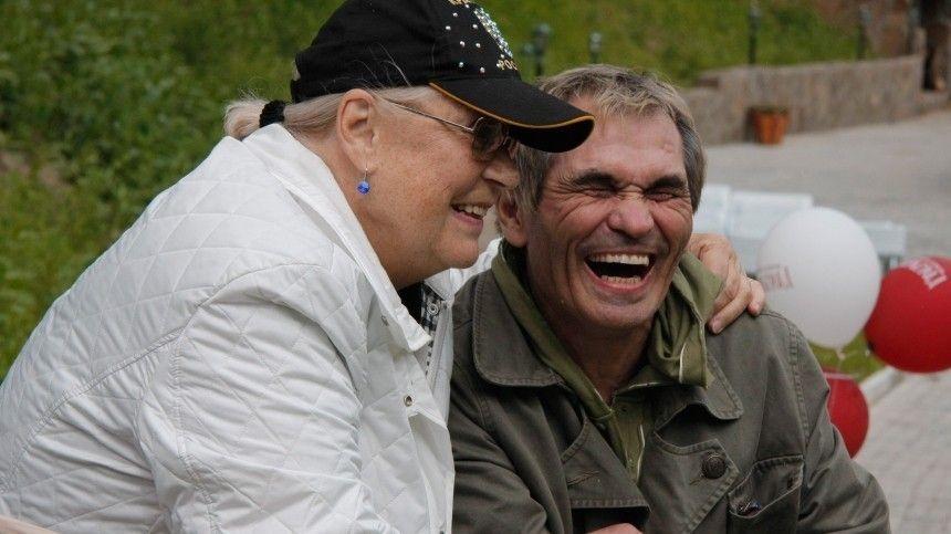 Муж и жена  одна сатана: судья отменил решение о разводе Алибасова и…