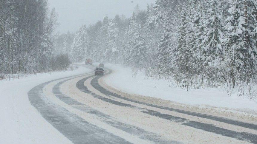На трассах в Оренбургской области прекращено движение из-за…