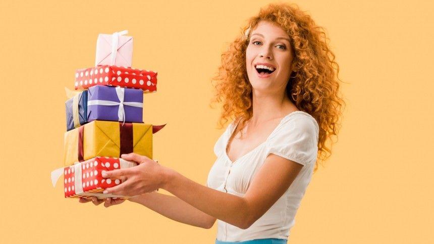 Чего хотят женщины: Россиянки назвали самые желанные подарки на…