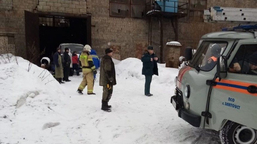Многодетный отец-одиночка погиб при взрыве на сталелитейном заводе в…
