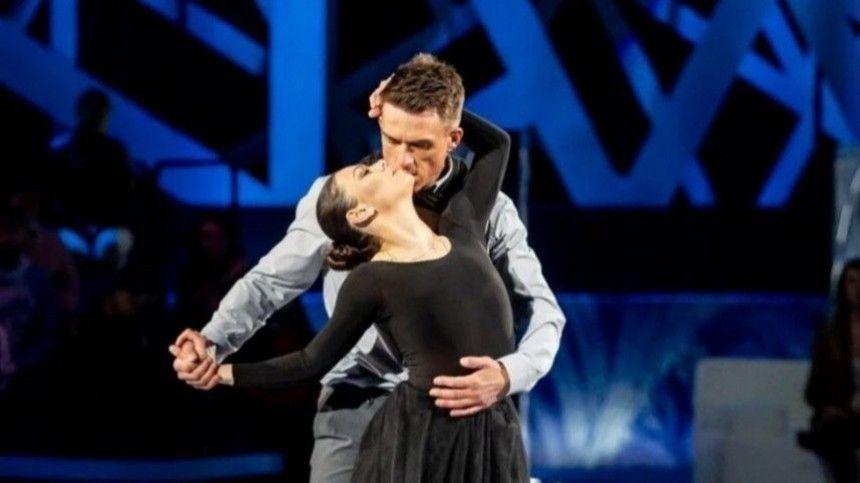 Чепурченко объяснил, почему поцелуи Топалова и Ильиных не впечатлили зрителей на…