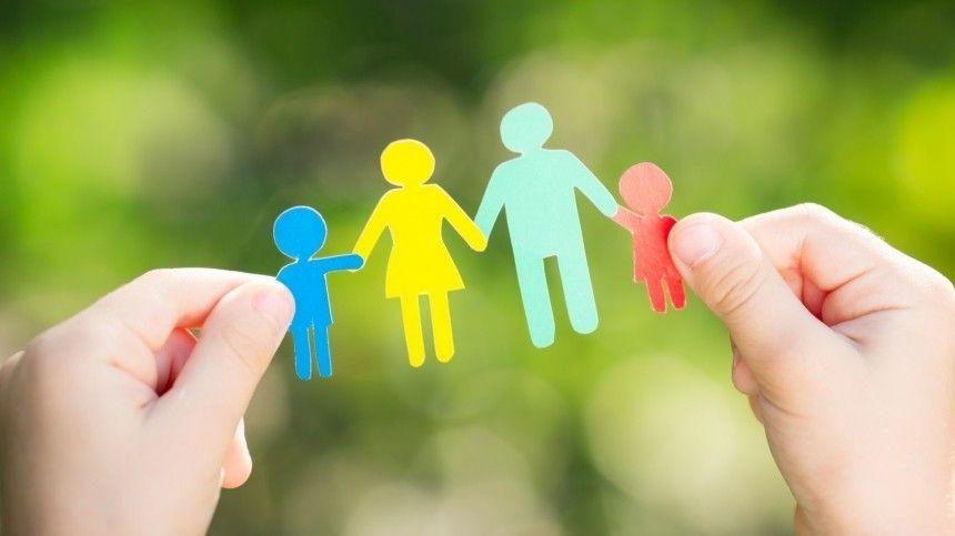 Путин поручил кабмину определить орган по социальной защите семьи и…