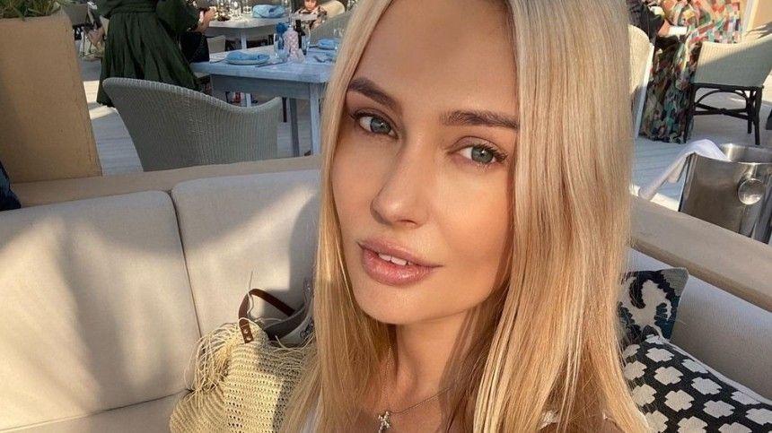 Устала от этого : Рудова пожаловалась на дискриминацию из-за своей…