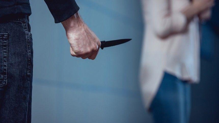Нож тупой был : юноша рассказал, как убивал свою  -летнюю возлюбленную …