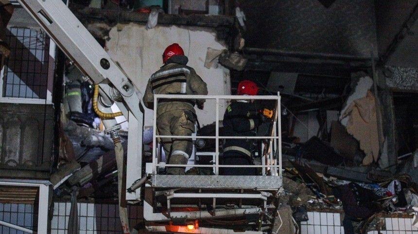 Следователи и прокуроры начали проверку после взрыва газа в доме в…