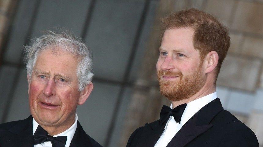 Принц Чарльз перестал общаться со своим сыном Гарри из-за Меган…
