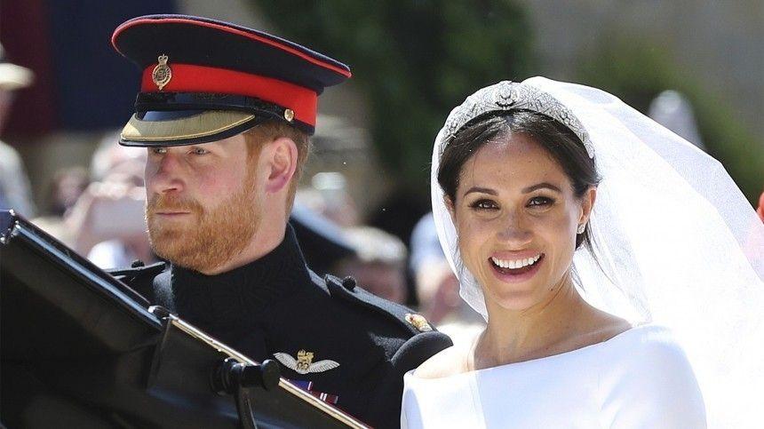Принц Гарри и Меган Маркл тайно расписались за три дня до королевской …