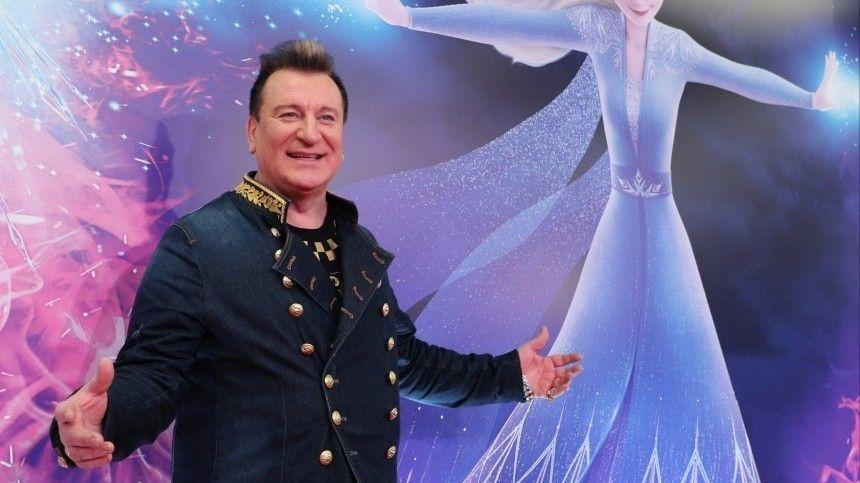 Сергей Пенкин намерен судиться со службами ЖКХ из-за протечек в элитной…