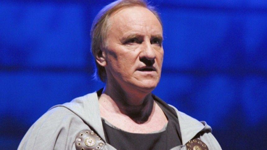 Звезда театральных постановок служил вМосковском художественном академическом театре имени Горького 12лет.