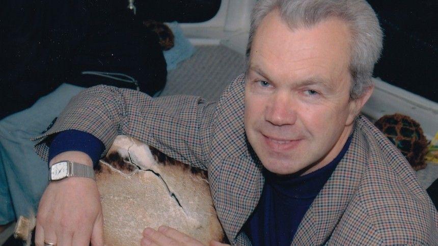 Осмерти заслуженного артиста России сообщил Ефим Шифрин.