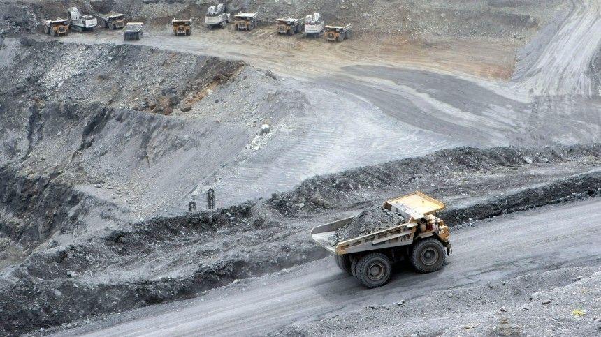 Путин и Жапаров запустили золоторудный комбинат в Киргизии