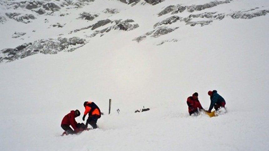 12-летнюю девочку ищут в Хибинах после схода лавины