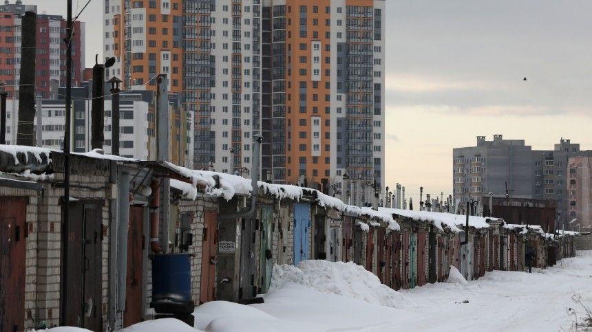 Нововведение позволит более трем миллионам россиян официально оформить всобственность свои места для стоянки авто.