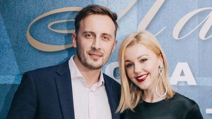 Российские изападные звезды готовятся кновым этапам всвоей жизни. Кто-то впервые станет родителями, акто-то вновь испытает это счастье.