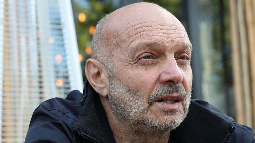 Основатель группы «Звуки Му» трагический погиб 25марта, утонув вМосква-реке.