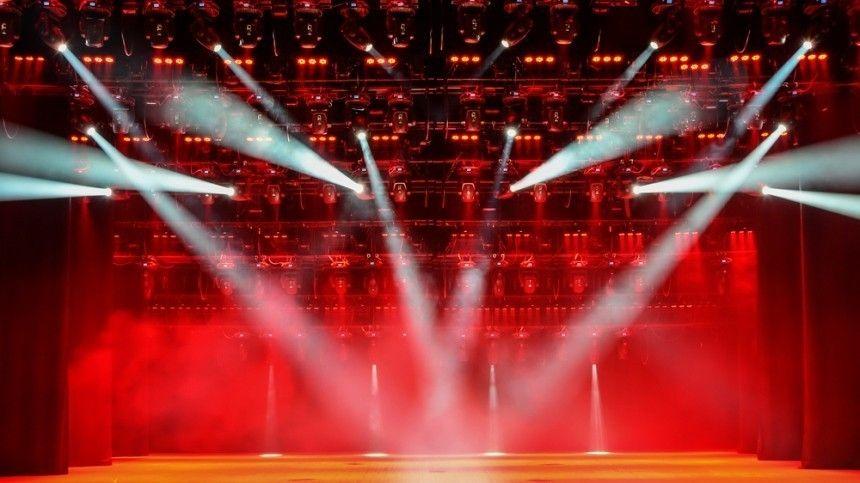 Мужчина и семь женщин: непридуманные эмоции на сцене Ленинград Центра
