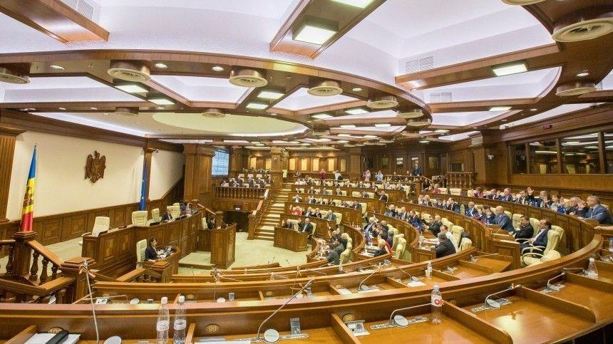 Сведениями обинциденте поделился политик ипредприниматель Ренато Усатый, обвиняемый вРоссии вфинансовых махинациях.