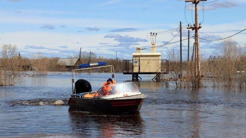 Паводки угрожают сразу нескольким населенным пунктам России