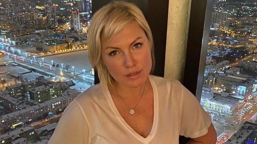 Непобежденная российская чемпионка побоксу 5апреля отметила 45-летие.
