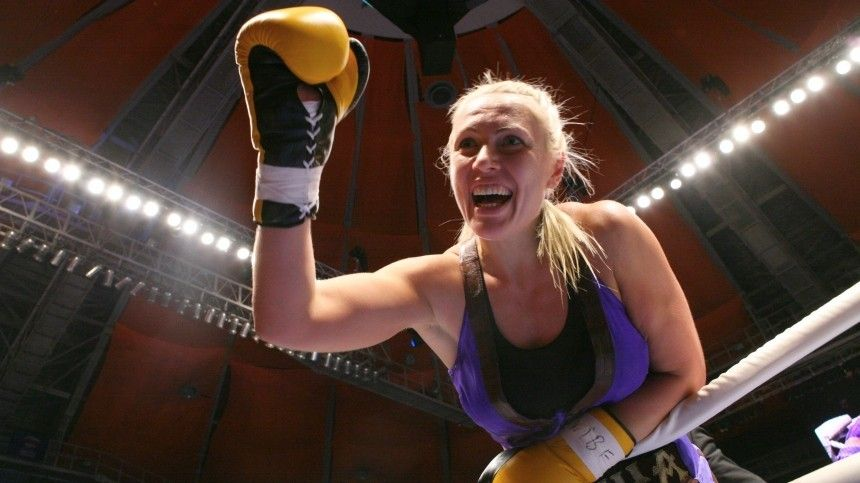 Спортсменка попрозвищу «Кувалда» прославилась своими сокрушительными нокаутами наринге. Невсе знают, что веежизни было много других интересных моментов.
