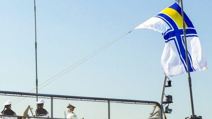 Самый уродливый корабль Украины вышел в Черное море на испытания  фото