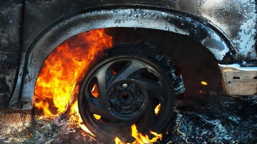 Видео: две фуры столкнулись под Челябинском, один из водителей сгорел заживо