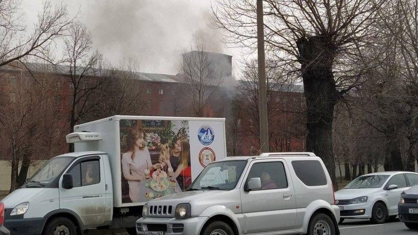Пожар натерритории исторического комплекса охватил 200 квадратных метров.
