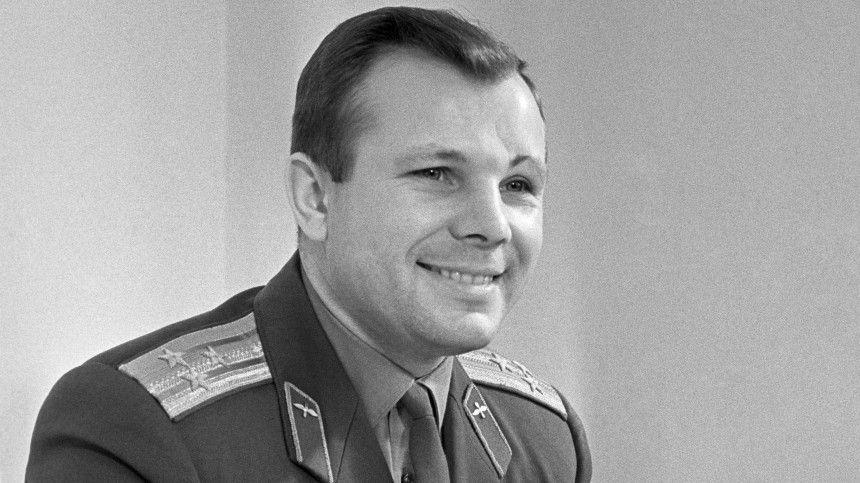 Путин в Энгельсе возложит цветы к памятнику Гагарину