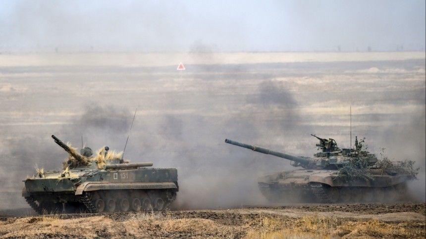 На суше, в море и в воздухе: как проходит проверка боеготовности российских войск