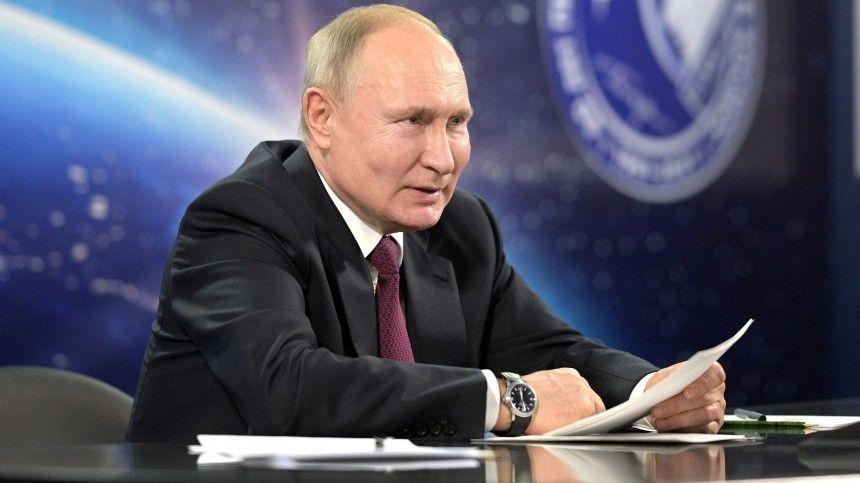 Ранее западные инсайдеры сообщили, якобы лидер России работает над посланием Федеральному собранию всекретном подземном помещении напротив здания правительства.