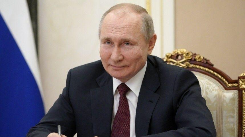 Пресс-секретарь президента РФДмитрий Песков заявил, что примеру российского лидера последовали многие граждане.