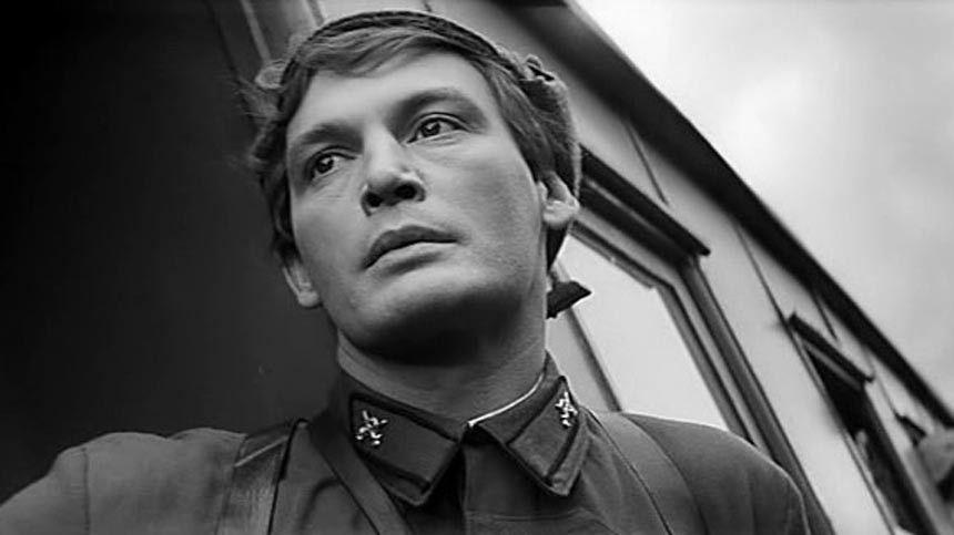Кого мог сыграть Олег Ефремов? Кто изактеров чуть непогиб вовремя съемок? Почему Василий Лановой отказывался сниматься?