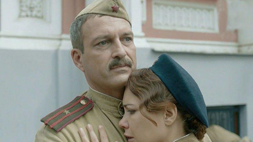 Звезда сериала По законам военного времени отреагировал на слухи о романе с Климовой