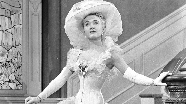 Одна изярчайших актрис американских мюзиклов 50-х умерла на93-м году жизни.