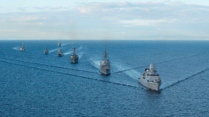 Британия направит два боевых корабля в Черное море в знак поддержки Украины