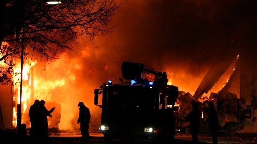 Почти разрушенный дом и пламя: видео с места хлопка газа под Нижним Новгородом