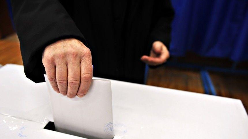 Путин подписал закон об участии в выборах физлиц-иноагентов