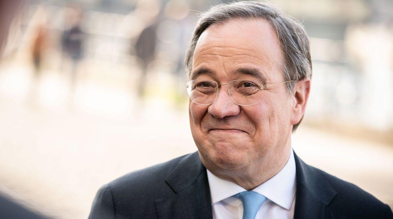 Биография иполитический курс кандидата напост канцлера Германии.