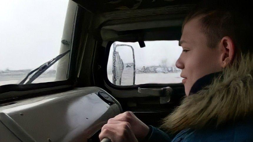 Новосибирские военные исполнили мечту детей, покатав их на боевых машинах