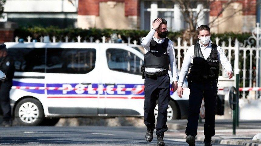 Убийство сотрудницы полиции во французском городе назвали терактом
