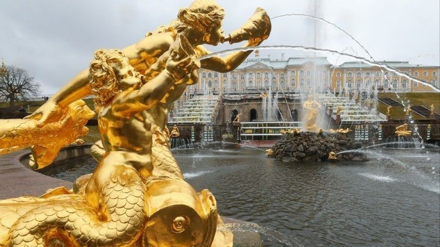Фонтанам 300 лет! Музей-заповедник Петергоф открыл юбилейный летний сезон