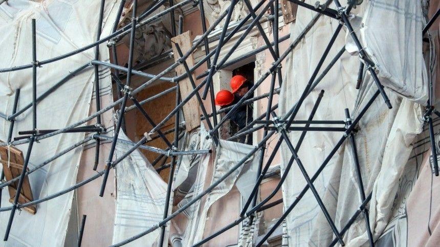 Обрушение строительных лесов произошло на стройке в Москве