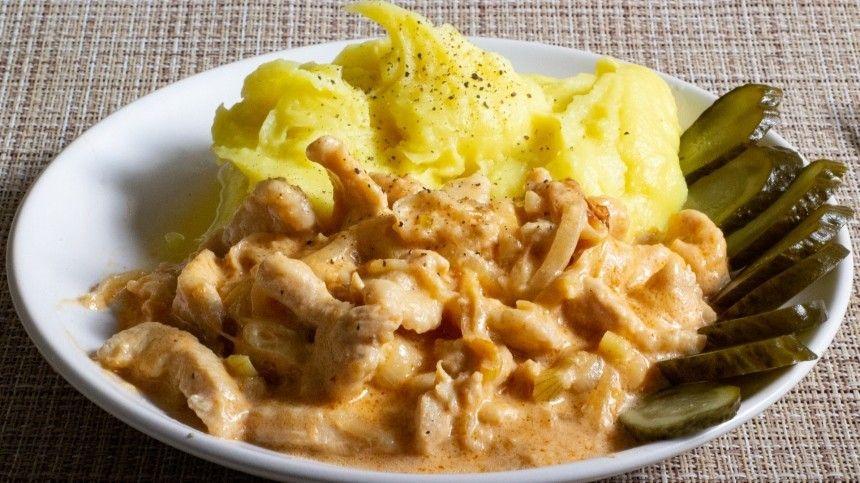 Кулинарный блогер Максим Гринкевич делится экспериментальным рецептом популярного блюда.