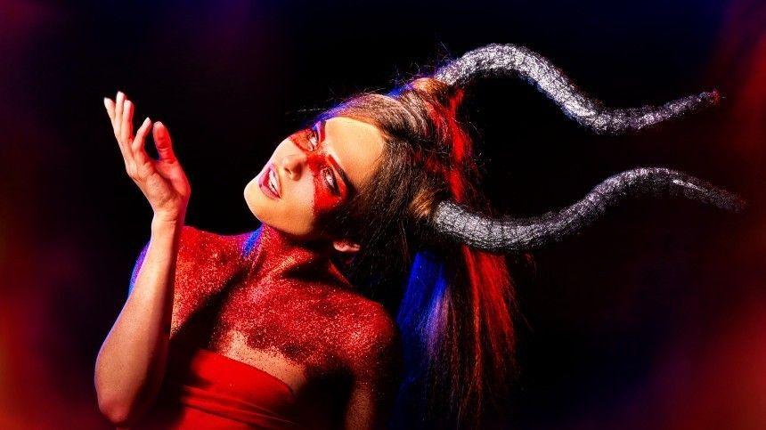 Она  ведьма! Женщины каких знаков зодиака обладают магическими способностями