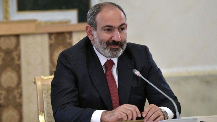 Ранее Пашинян заявил, что покидает свой пост для проведения внеочередных парламентских выборов встране.