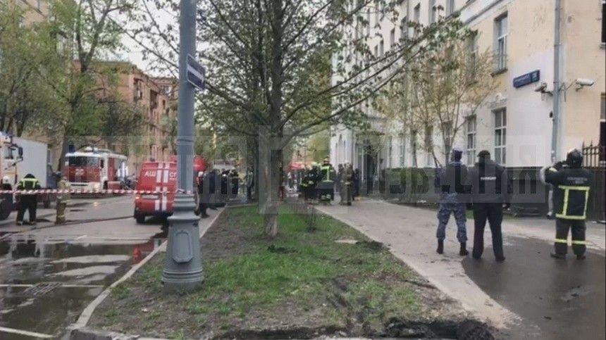 Было замыкание: очевидец озвучил возможную причину смертельного пожара в гостинице в Москве