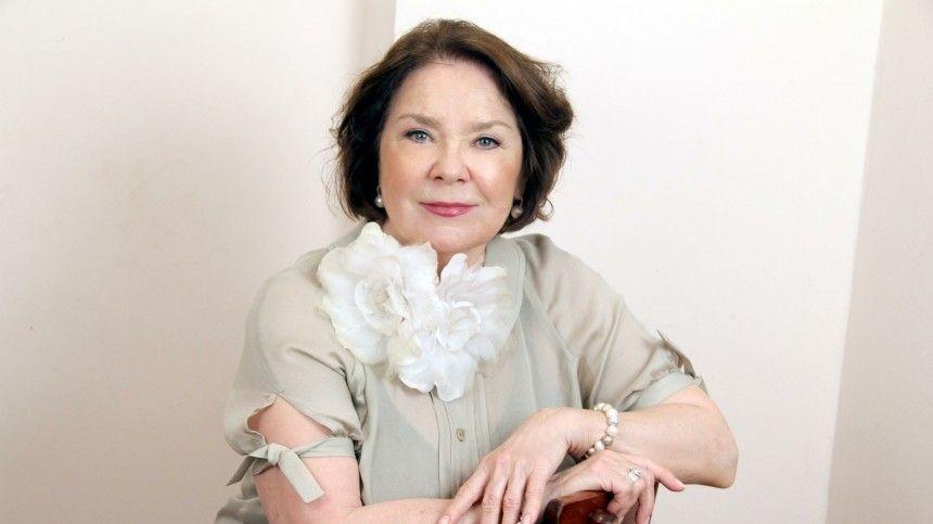 Лариса Голубкина снова угодила в больницу