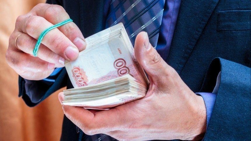В России резко возрос спрос на наличные деньги